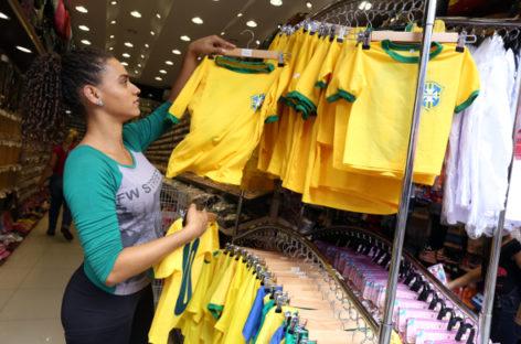 Abertura do comércio durante a Copa é facultativa