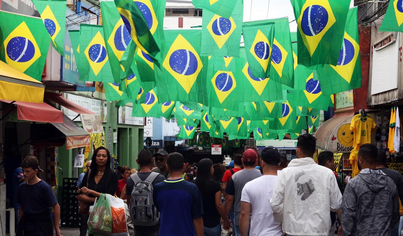 Funcionamento do comércio será facultativo durante os jogos do Brasil