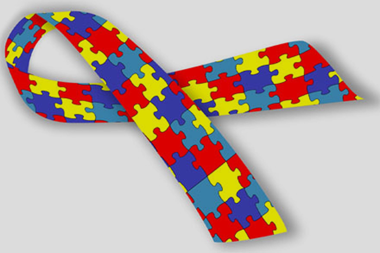 Comércio deve colocar símbolo do Autismo em Placas de Atendimento Prioritário