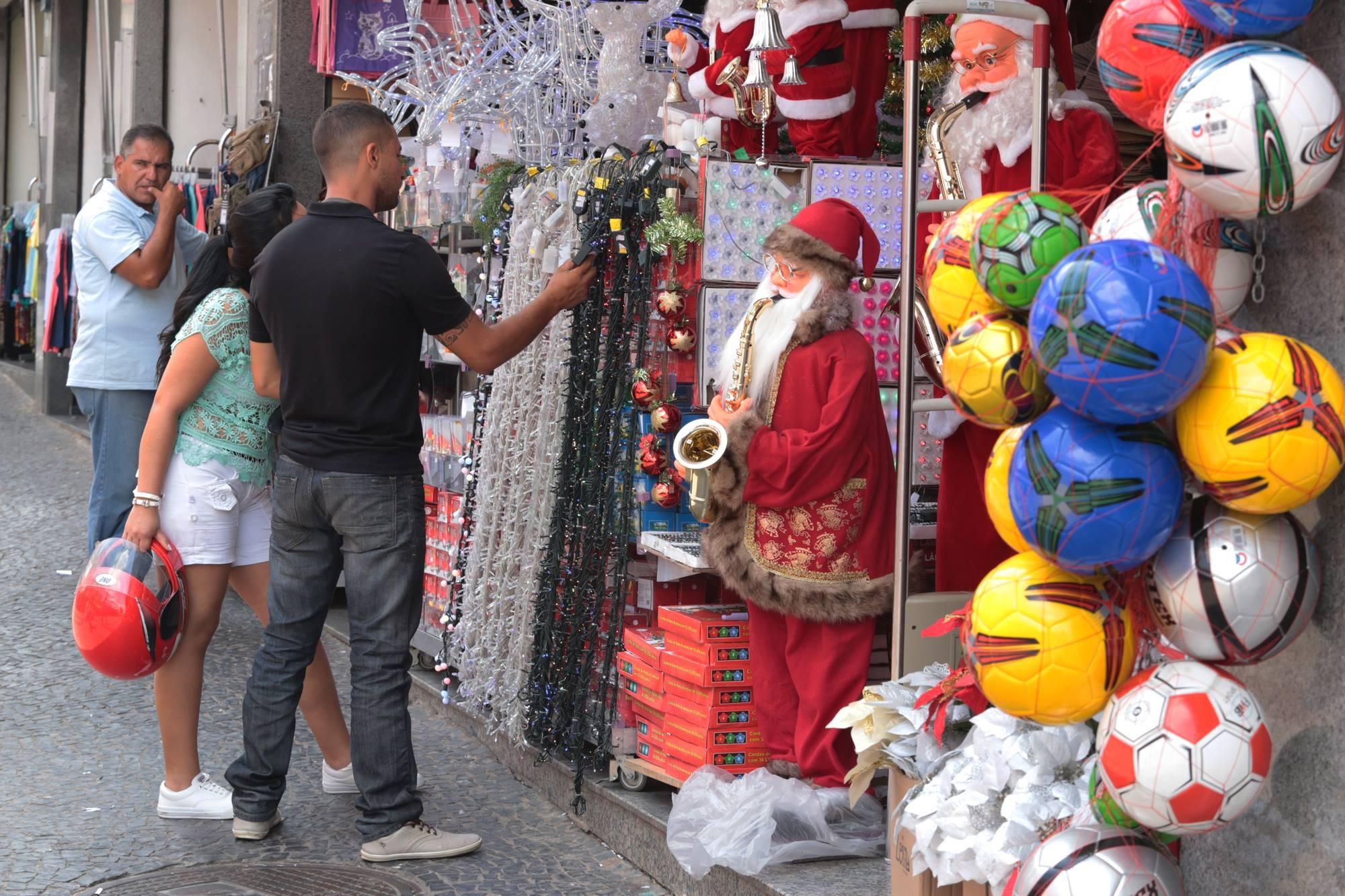 Lojas do Centro ficam abertas à noite para compras de Natal a partir do dia 10