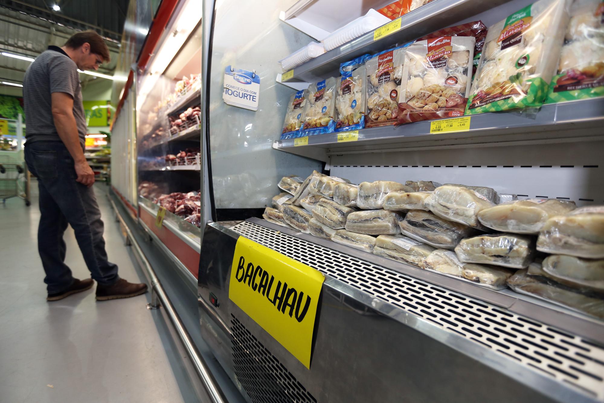 Itens usados na bacalhoada estão mais caros nesta Páscoa