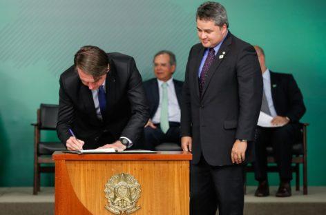 Bolsonaro sanciona lei do novo Cadastro Positivo
