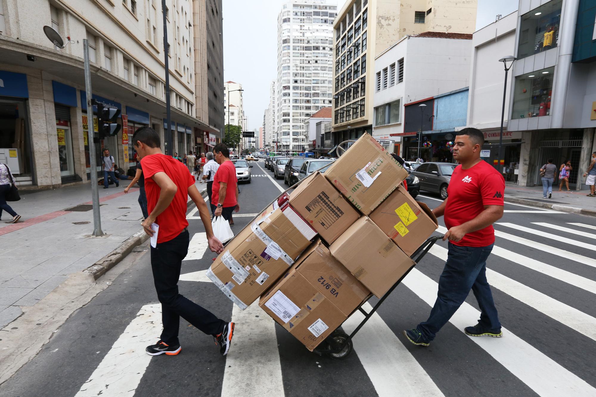 Comércio de Campinas registra saldo negativo de emprego no 1º trimestre