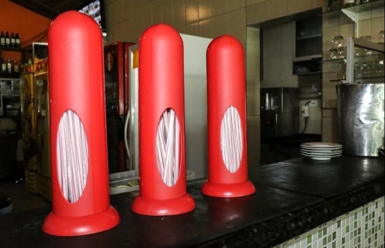 Além de Campinas, canudos de plástico agora são proibidos em todo Estado