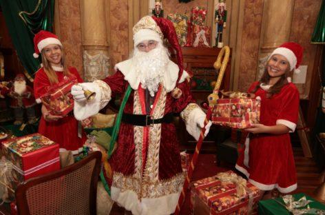 Papai Noel atrai consumidores ao Centro de Campinas