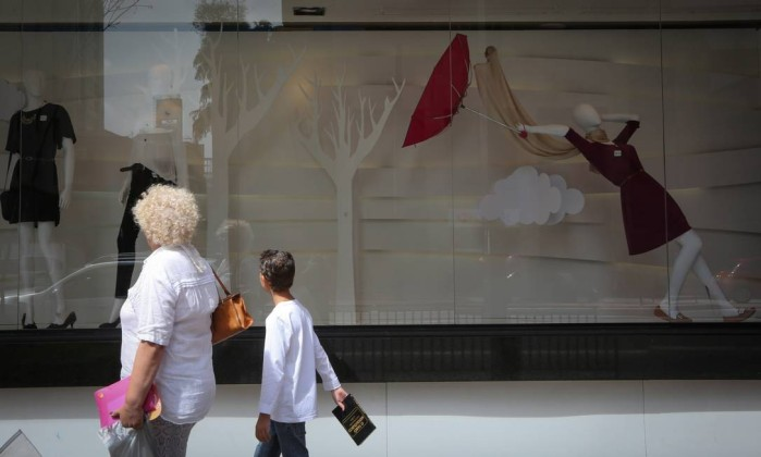 Crise fecha as portas de quase 100 mil pequenas empresas varejistas no País