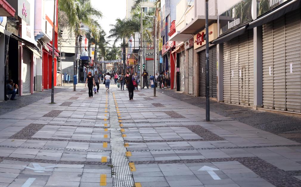 Estado classifica região de Campinas na fase vermelha e comércio volta a fechar