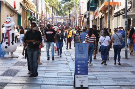 Varejo deve ter queda de 7,7% e fechar mais de 200 mil empresas no País em 2020