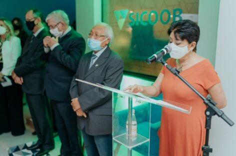 Presidente do SindiVarejista participa de inauguração do Sicoob e destaca parceria