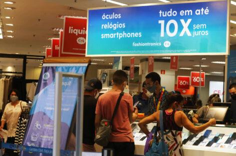 42% dos brasileiros preferem a experiência da loja física à digital